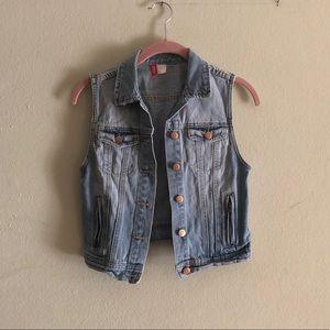 Denim cropped vest